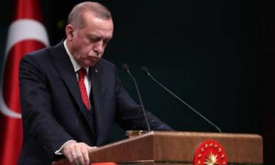 Ερντογάν σε… απόγνωση – «Αδέρφια μου βγάλτε τα δολάρια απ'το μαξιλάρι σας και κάντε τα λίρες»