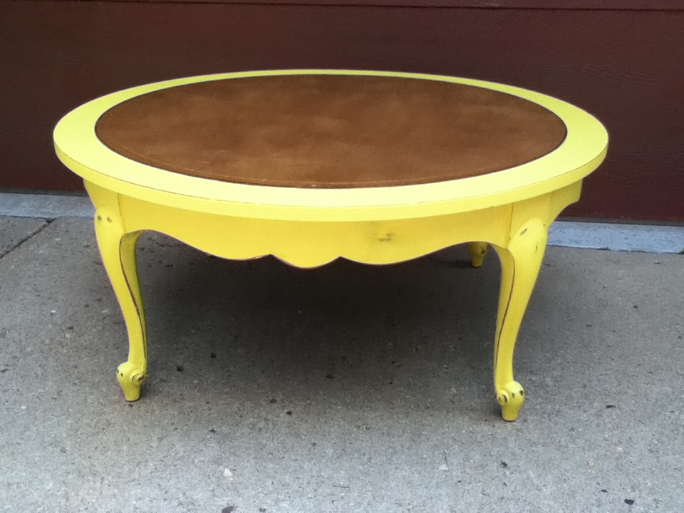 3 Vanilla Blossoms: English Yellow Coffee Table