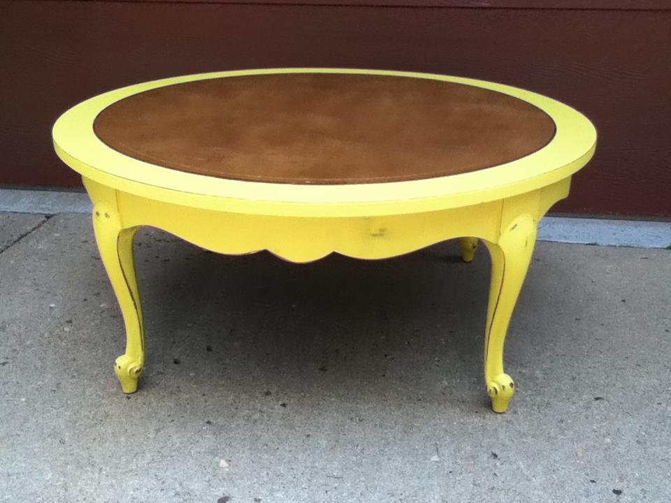 3 Vanilla Blossoms: English Yellow Coffee Table