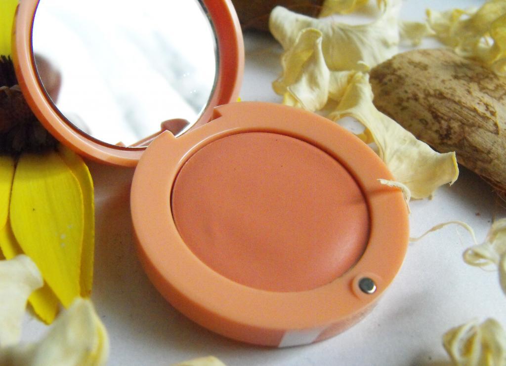 Bourjois Cream Blush in Nude Velvet