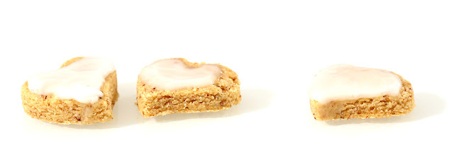 https://le-mercredi-c-est-patisserie.blogspot.com/2012/08/biscuits-amandes-noisettes.html