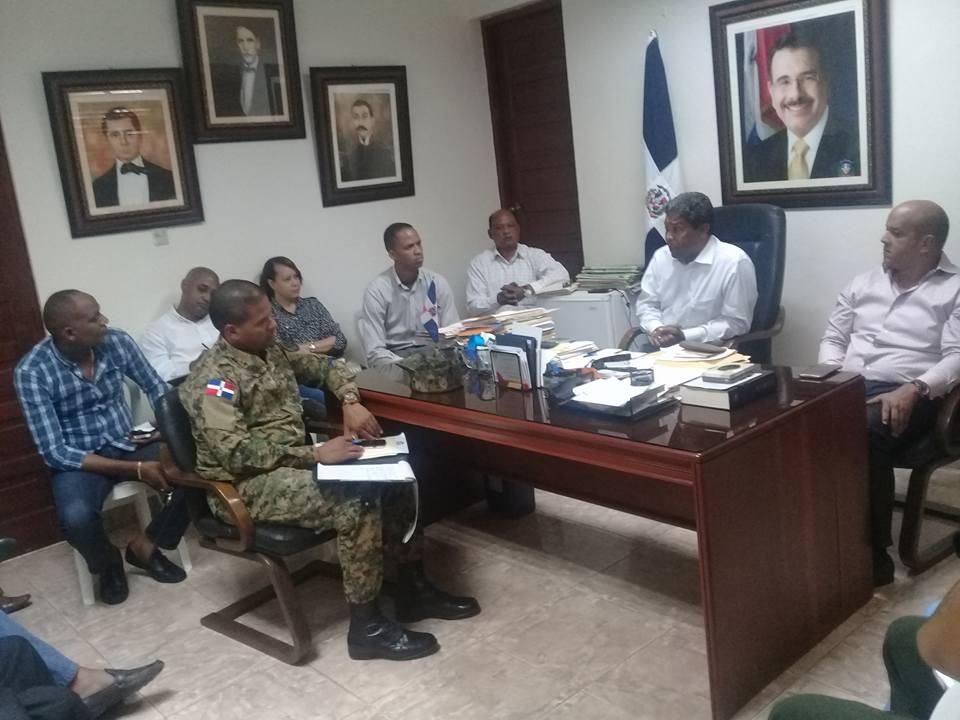Gobernador se reúne con el Consejo de Seguridad de Barahona