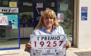 loteria teatinos Tita Lina guarda decimo premiado a cliente habitual
