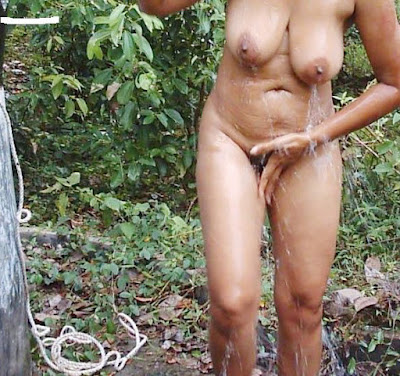 Desi Bhabhi Nude Bath Photo Captured By Hidden Camera