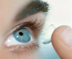 lensa kontak