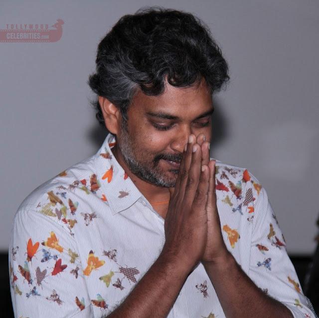 Baahubali 2 Leaked... Rajamouli Shocks With An Anonymous Call