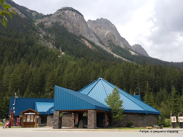 field_canada_visitor_centre