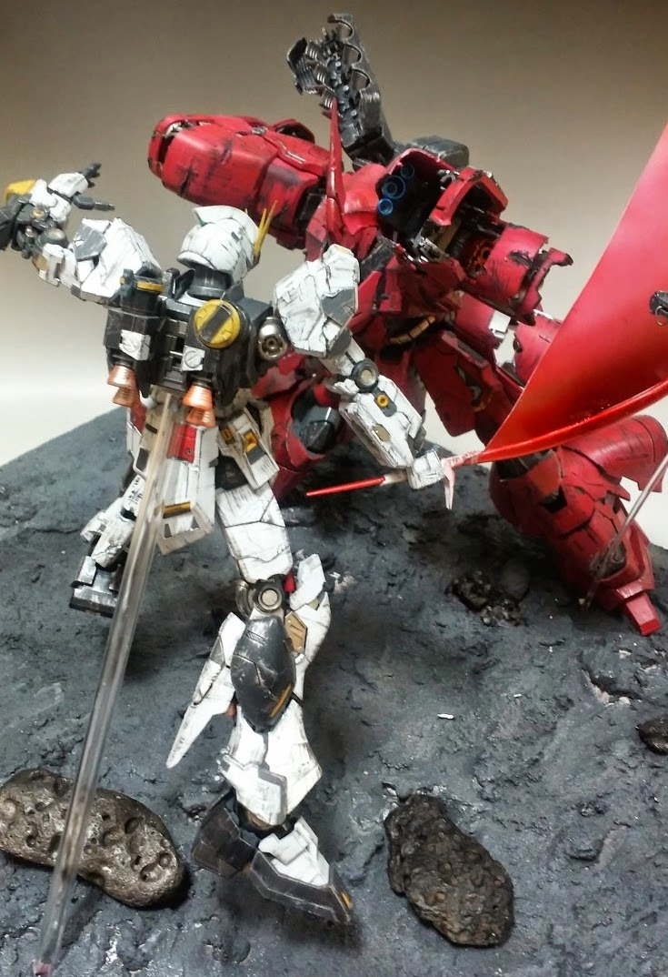 Showdown at Axis: Sazabi vs. Hi-Nu