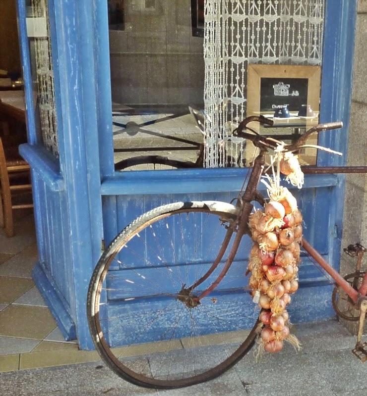 onions, bike, France!