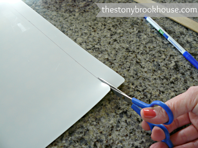 Cutting fridge mat to fit