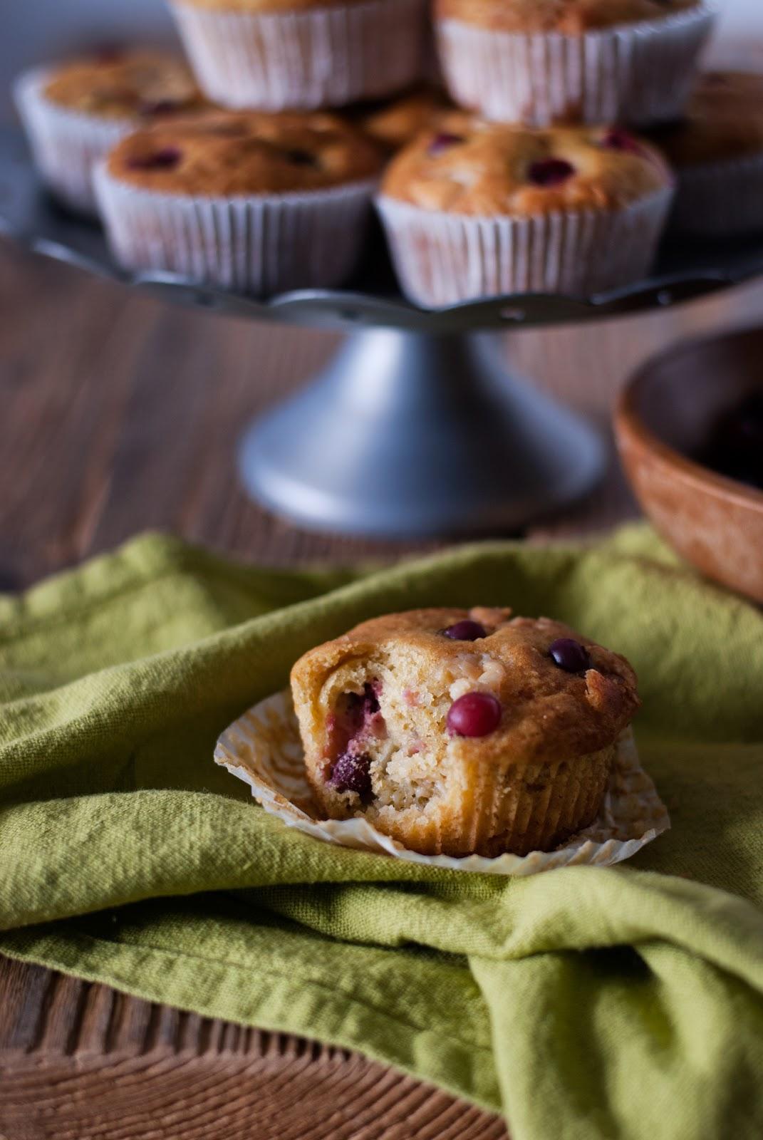 Muffiny jogurtowe bez glutenu z białą czekoladą