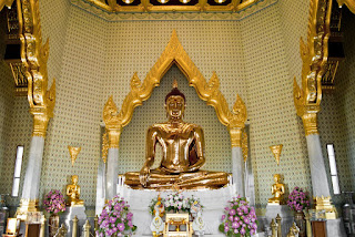 thailand gold buddha statue