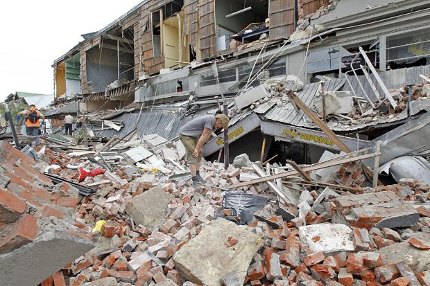 [Gambar]- Kesan Kemusnahan Gempa Bumi di New Zealand