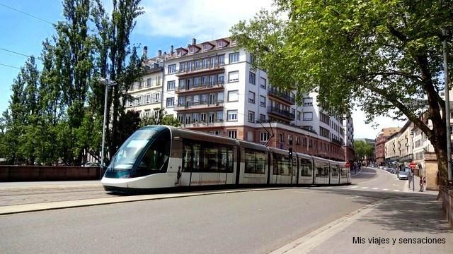 El Travía en Estrasburgo, Grande Íle, Alsacia, Francia