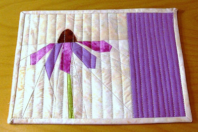 Purple Coneflower quilted Mug Rug pattern