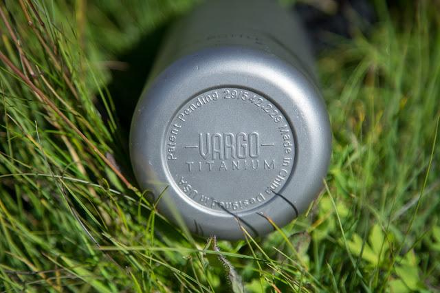 Vargo Para-Bottle  Die ultimative Trinkflasche für Outdoor Aktivitäten  Titan-Trinkflasche 03