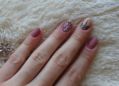 http://martuuszakatek.blogspot.com/2015/11/o-kwiatuszkach-ktore-zostay-pitajami.html