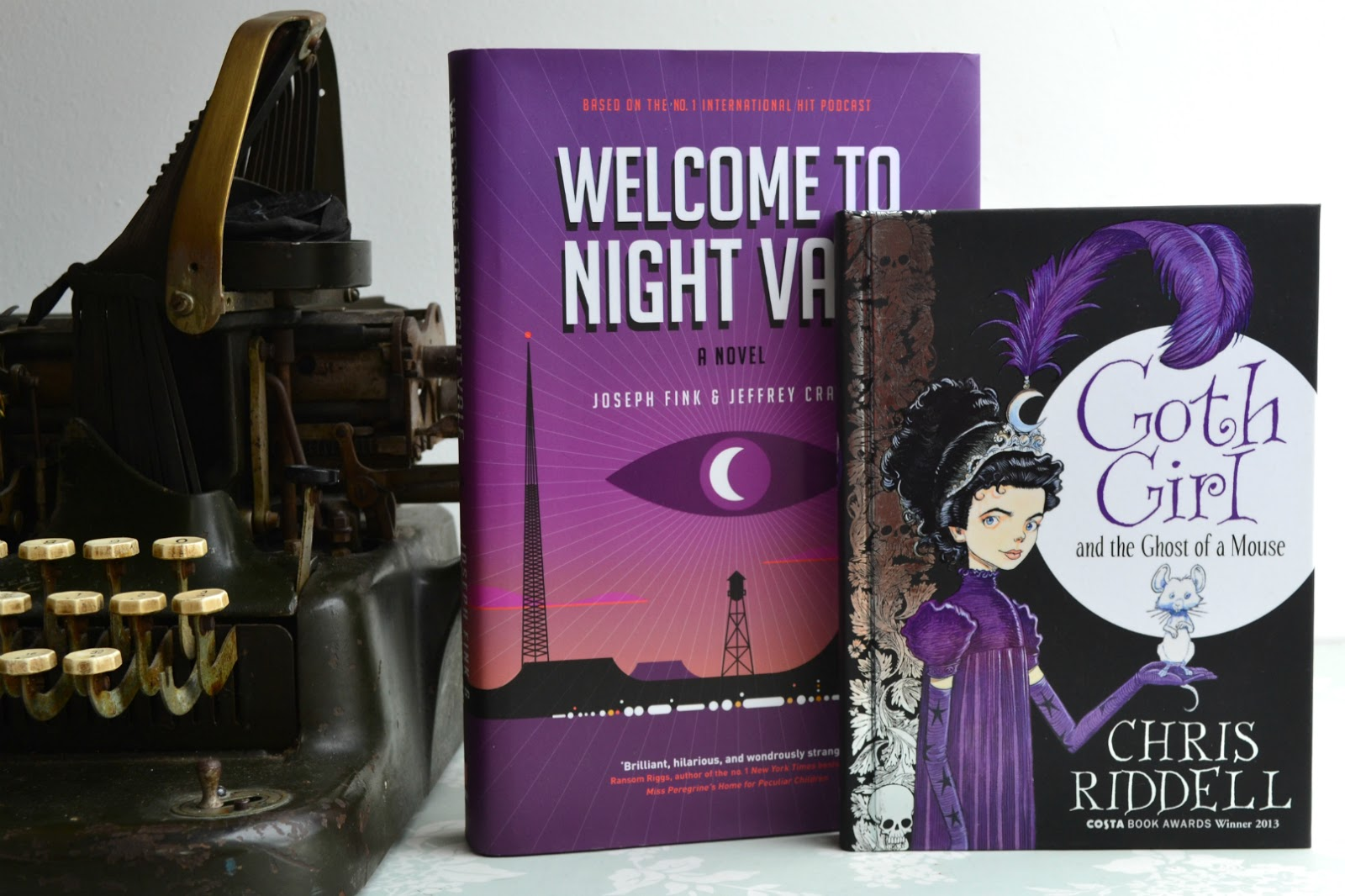 My #Hallowreadathon 3 TBR! Purple Books