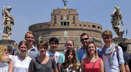 Come scegliere un corso italiano per stranieri