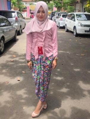 Model Baju Kebaya Muslim Batik Kartini Modern Terbaru