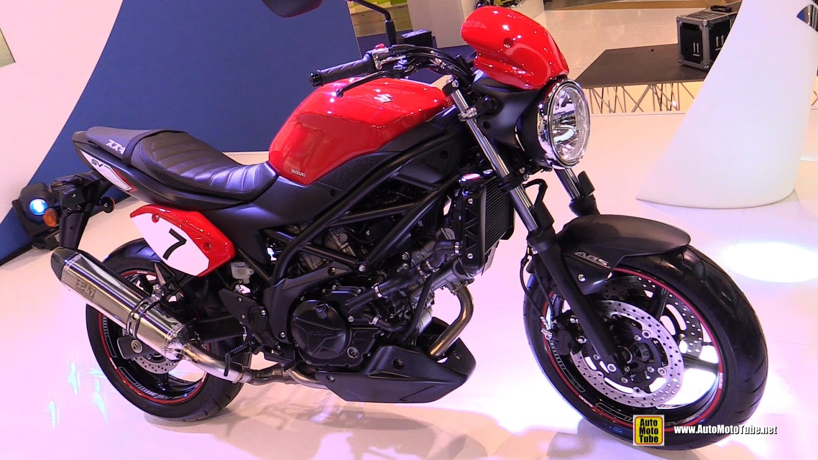 2017 suzuki sv650 naked review news motobikes news motobikes. Black Bedroom Furniture Sets. Home Design Ideas