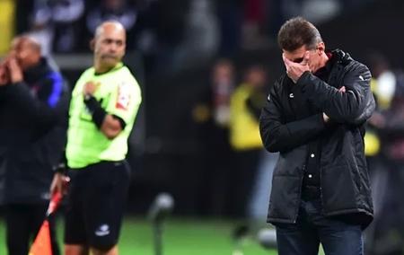 Vagner Mancini não é mais o técnico do Vitória