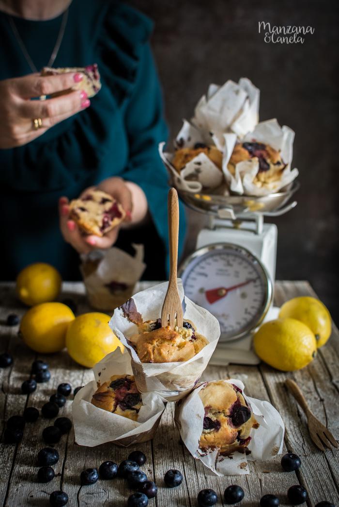 Muffins veganos de arándanos y limón.