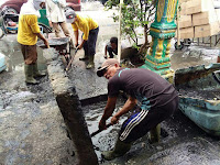 Bersihkan Parit Tersumbat Di Lingkungan XV Pulo Brayan Kota, Wali Kota Terjunkan P4SU