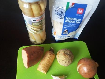 Supa crema sparanghel alb parmezan ingrediente