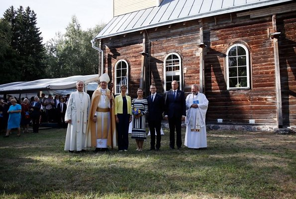 Crown Princess Victoria and Prince Daniel attended the re-opening ceremony of St. Michael Church