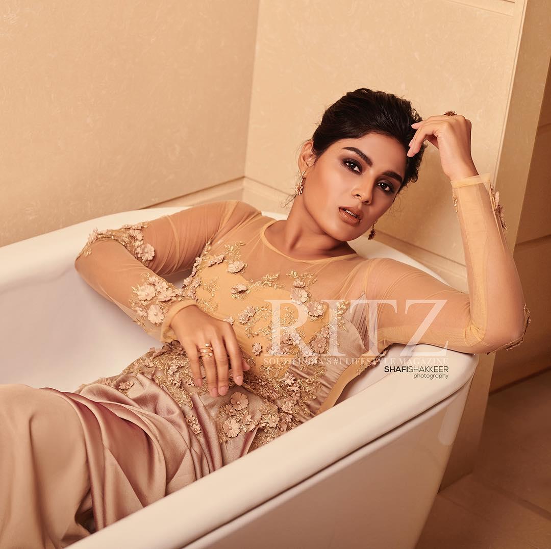 Samyuktha Menon Hot And Sexy Photos