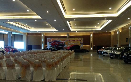 launching mobil toyota calya galaxy mall