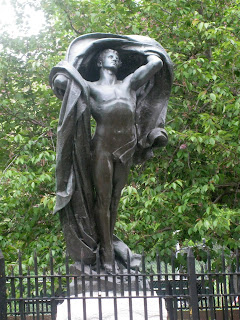 The Dawn of Glory, a statue in Brooklyn for which Atlas was the model