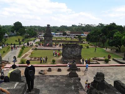 Tempat Wisata di Blitar Jawa Timur Rekomendasi Liburan Tempat Wisata Malang Jawa Timur terfavorit dan terbaru untuk keluarga:  TERBARU 15 Tempat Wisata di Blitar Jawa Timur Rekomendasi Liburan