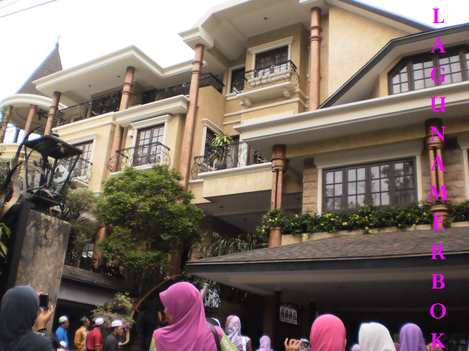 Lagunamerbok rombongan ke rumah datuk siti nurhaliza for Siti di collezionismo