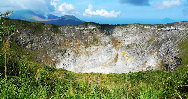 Tempat%2BWisata%2BTerbaik%2Bdi%2BManado%2BGunung%2BMahawu Inilah 20 Tempat Wisata Terbaik di Manado yang Kami Rekomendasikan Untuk Anda