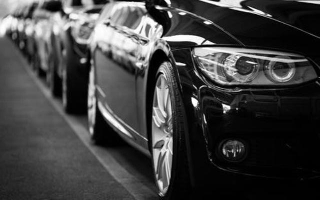 Deretan Mobil Mewah yang Dimiliki oleh Selebritis Indonesia