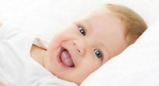 komunikasi bayi usia 3 bulan