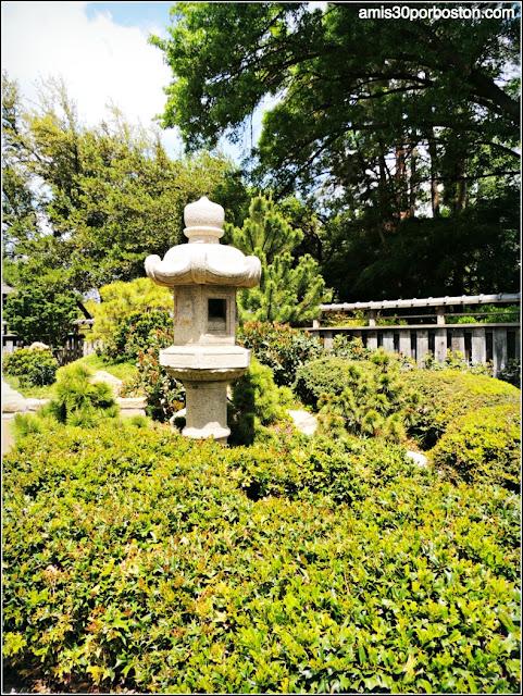 Linterna Kasuga en el Jardín Japonés de Fort Worth
