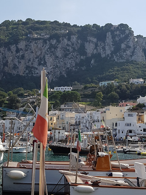 Capri's little harbour