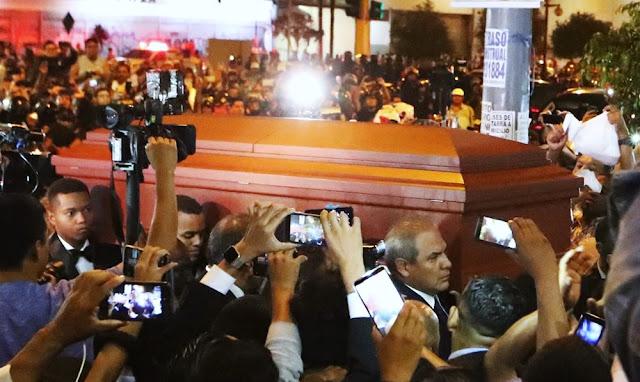 Apra: Restos de Alan García llegan a la Casa del Puebo