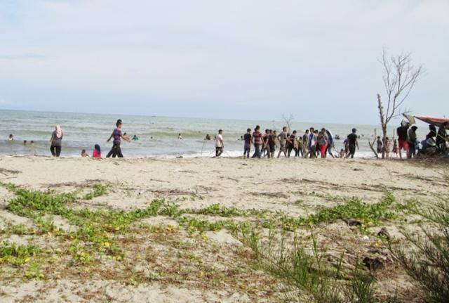 Keindahan Wisata Pantai Kuala Penaga Aceh
