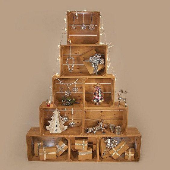 Árbol de Navidad hecho con cajas, una idea original y diferente