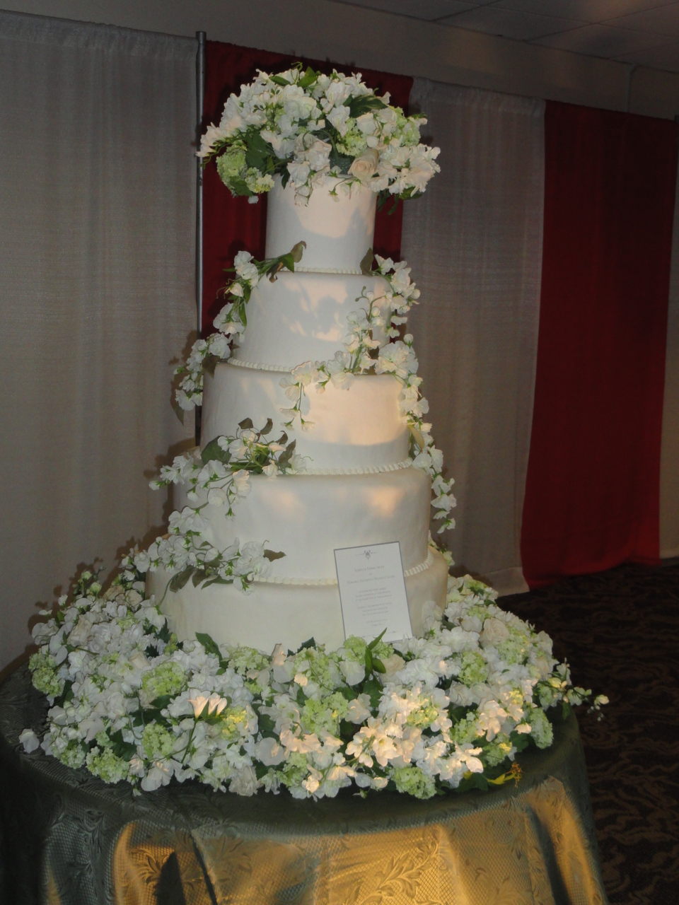 bellas wedding cake kstew communaut 233 d 233 di 233 e 224 l actrice kristen 11261