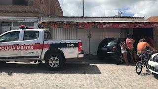 Homem é morto a tiros dentro de mercadinho em Esperança, PB