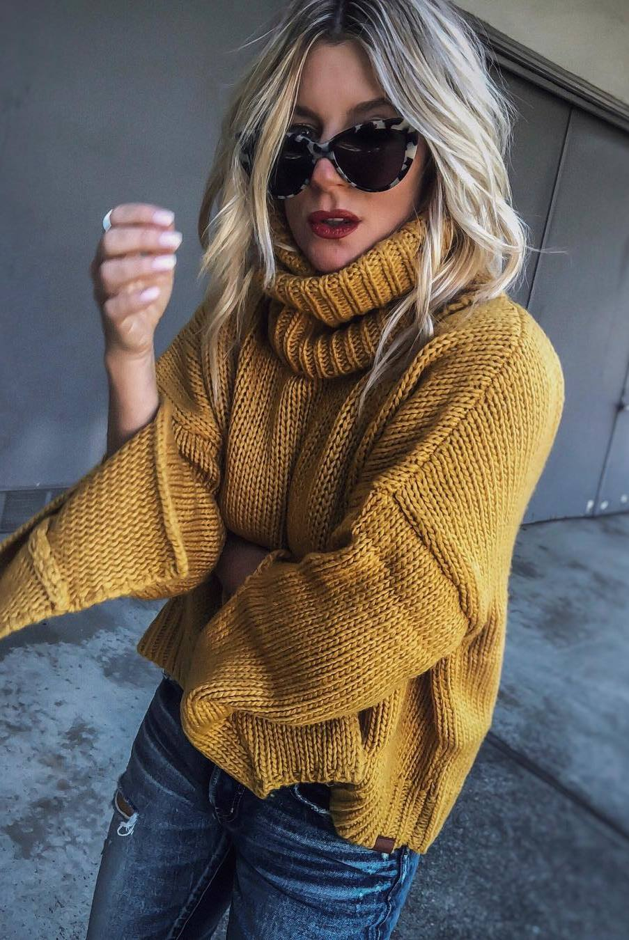 what to wear this fall : knit high sweater and jeans