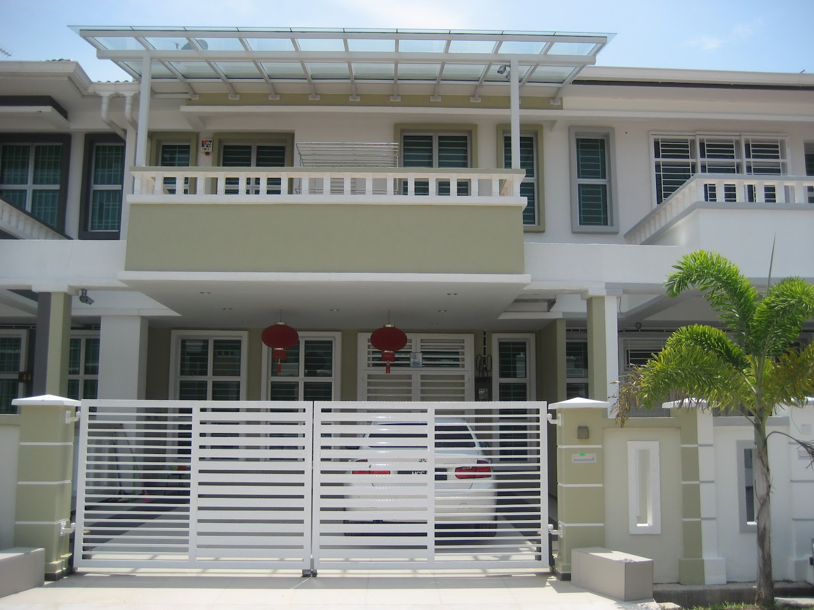 Malaysia terraced house exterior design front design for Minimalist house design in malaysia