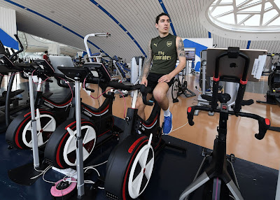 hector bellerin working out in dubai