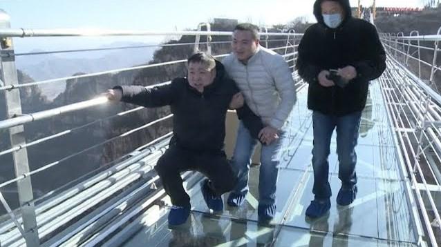 Cina Kembali Membuat Jembatan Gantung Kaca Terpanjang Di Dunia