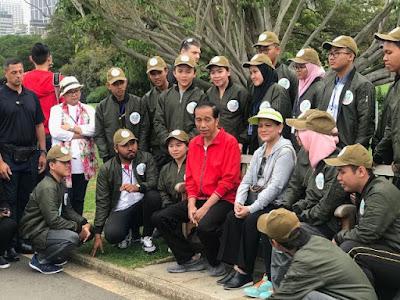 Santri Trensains Ikut Dampingi Jokowi ke Australia